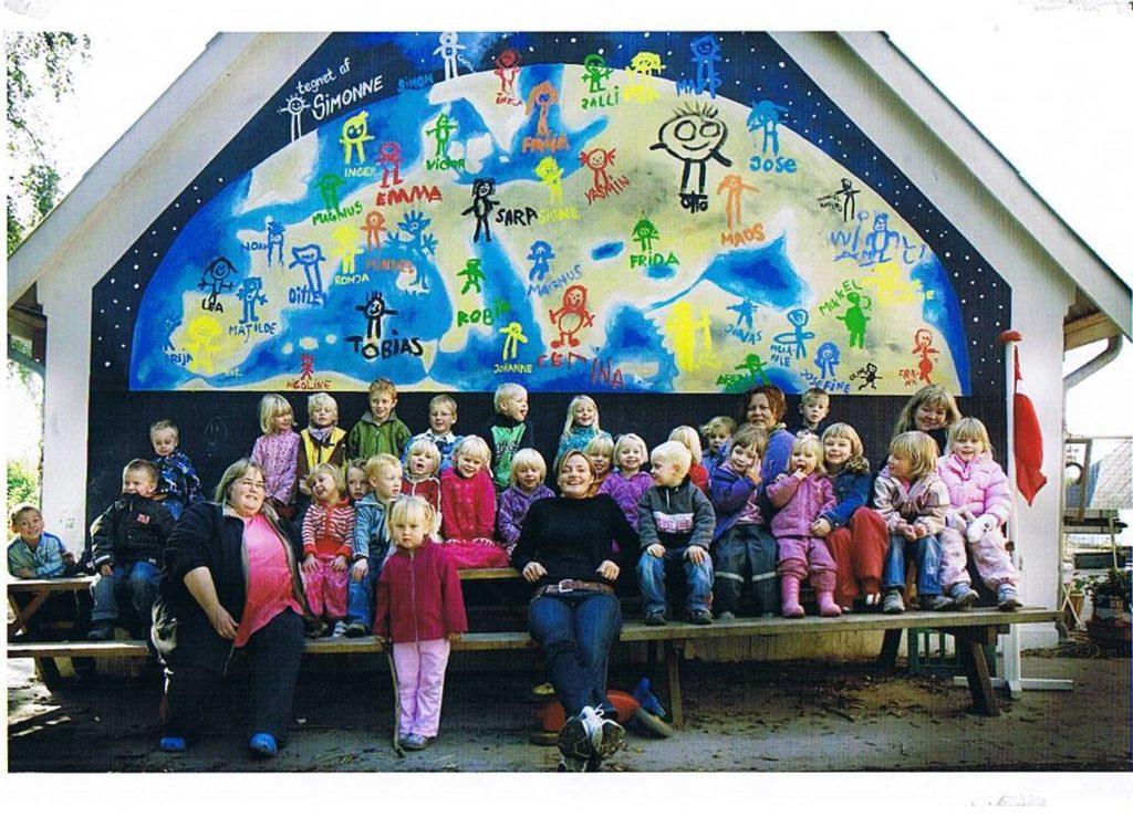 Børnehave udsmykning af gavl - gruppebillede