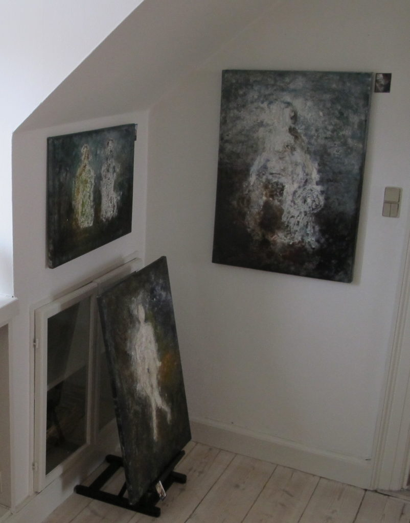 Opstilling af malerier til salg - SIMONNE.DK